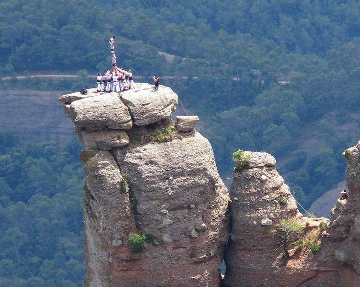 Pilar de quatre al cim de la Castellassa