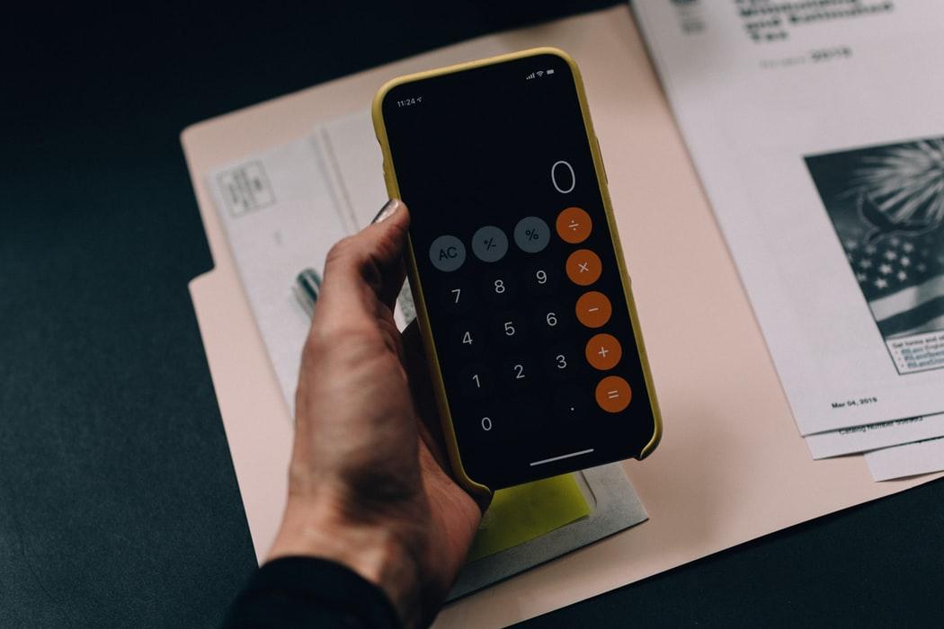 Les factures de les entitats amb NIF (N) suposaran una aplicació d'inversió del subjecte passiu. Font: Unsplash. Font: Font: Unsplash.