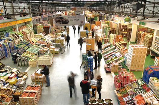 Mercabarna D U00f3na 12 000 Kg De Fruites I Hortalisses Al Banc