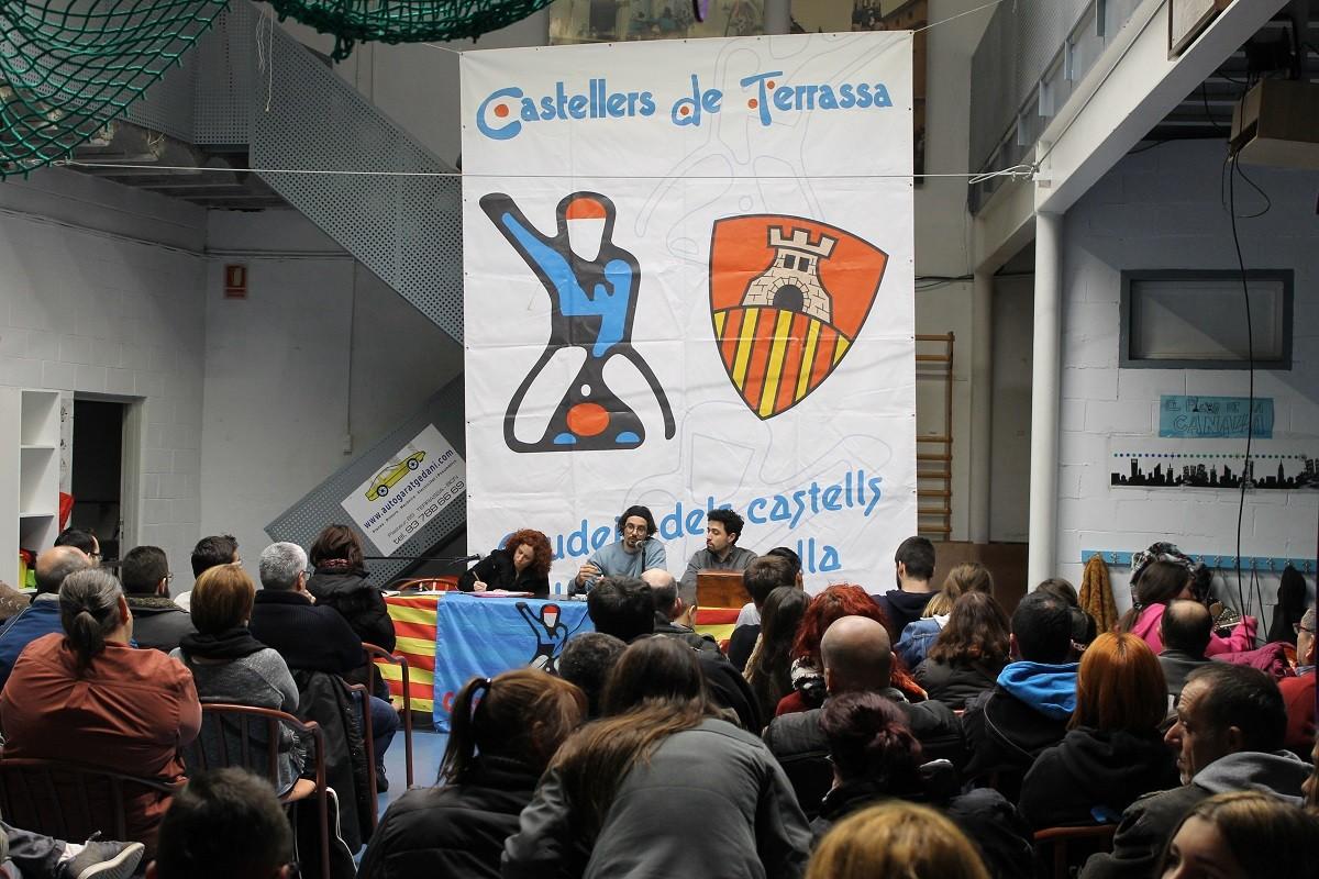 Assemblea de la colla castellera dels castellers de Terrassa Font: Castellers de Terrassa