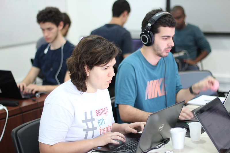 GitHub és una eina excel·lent per la comunitat de desenvolupadors i desenvolupadores. Però també pot ser interessant per les entitats. Daniel Cukier. Llicència d'ús CC BY-ND 2.0 Font: Daniel Cukier. Llicència d'ús CC BY-ND 2.0