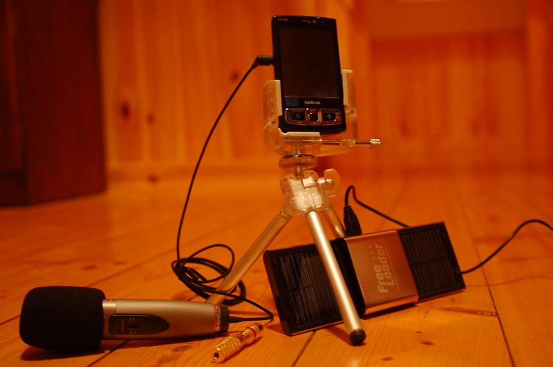 Amb un equip de periodisme mòbil podreu enregistrar els vostres actes i activitats. Imatge de Erik (HASH) Hersman. Llicència d'ús CC BY 2.0 Font:  Erik (HASH) Hersman. Llicència d'ús CC BY 2.0