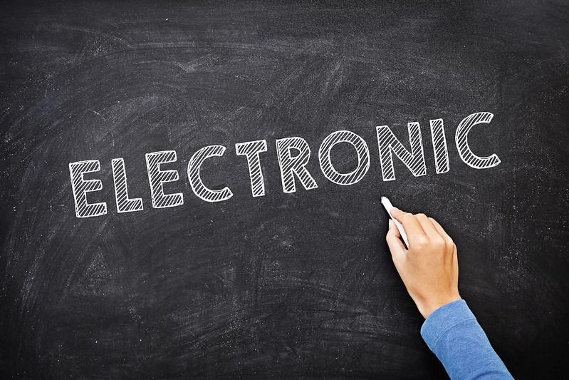 Les pissarres en línia són una bona solució per donar classes en línia. Imatge de Mike Cohen. Llicència d'ús CC BY 2.0 Font: Mike Cohen. Llicència d'ús CC BY 2.0