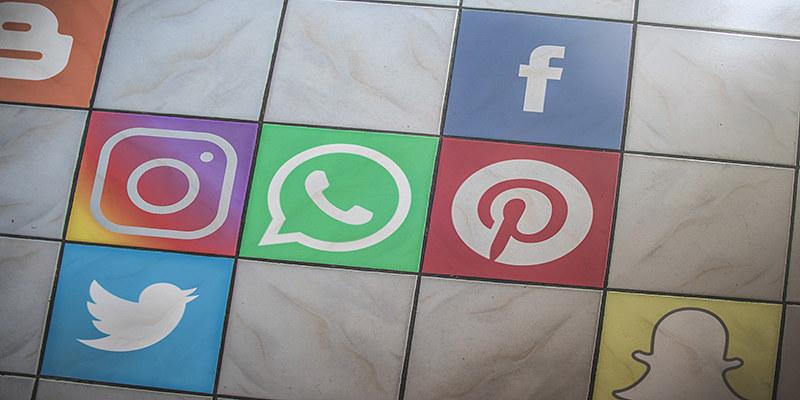 De xarxes socials n'hi han moltes més de les tres conegudes. Imatge de TT Marketing. Llicència d'ús CC BY 2.0 Font: TT Marketing. Llicència d'ús CC BY 2.0