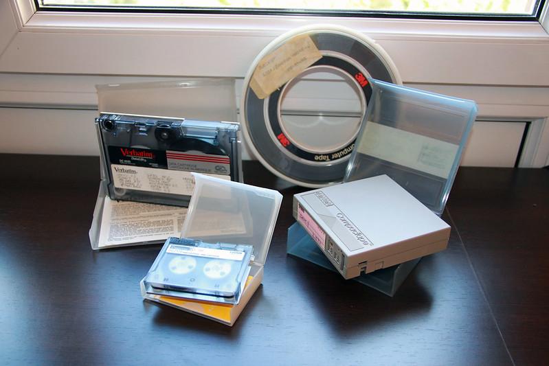 Els sistemes de còpies de seguretat han evolucionat molt. Imatge de Iñigo Alonso. Llicència d'ús CC BY-SA 2.0. Font: Iñigo Alonso. Llicència d'ús CC BY-SA 2.0.