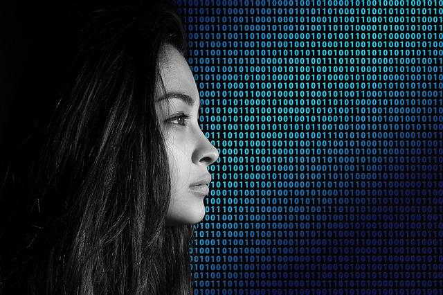 Una chica con un fondo del sistema binario