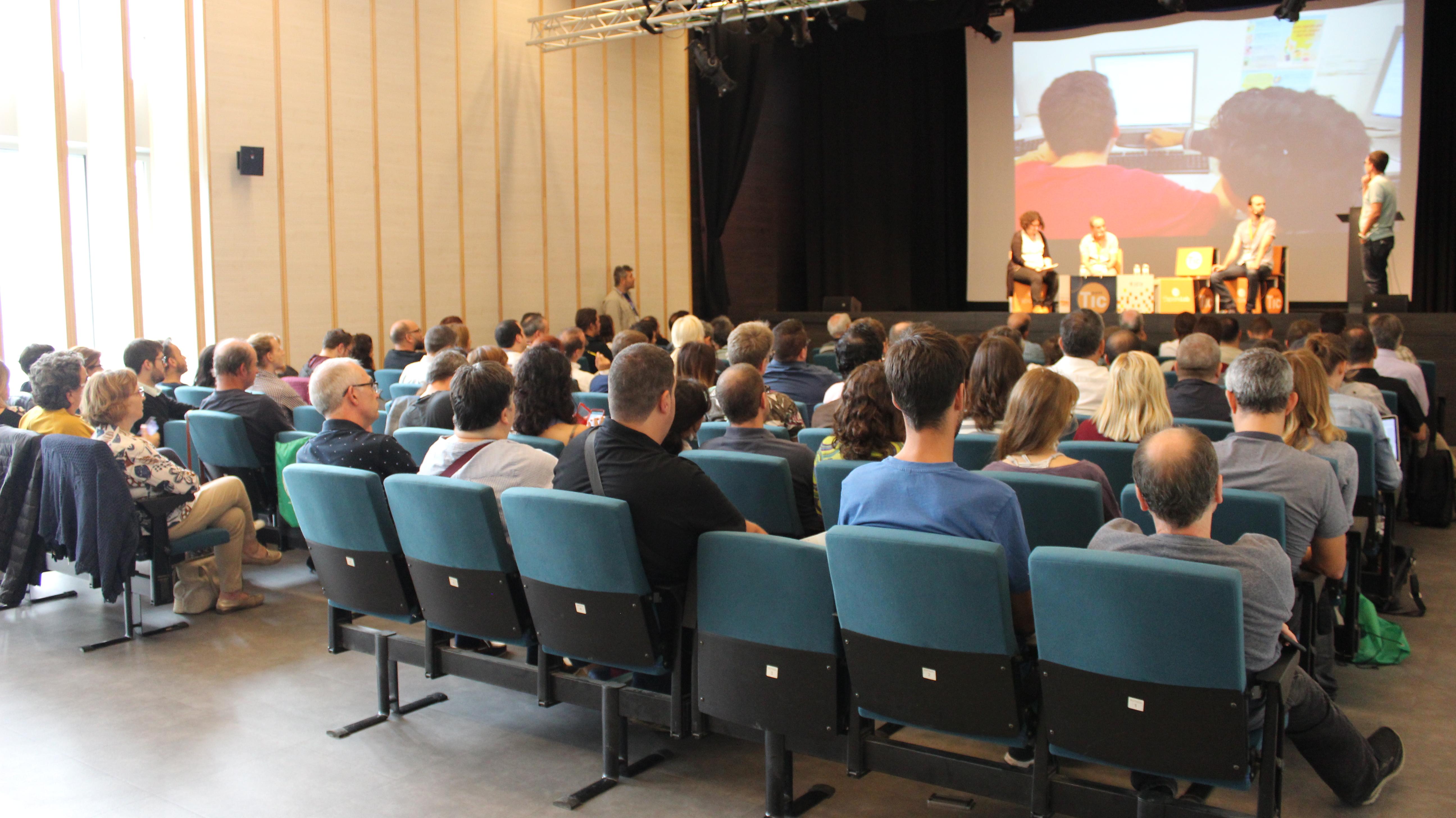 la Conferencia de promoción de la Sociales de Internet en 2017