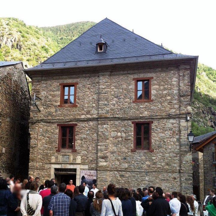 La Casa de l'Ós a Isil (Pallars Sobirà)