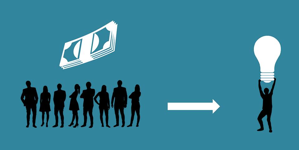 Les deduccions fiscals del micromecenatge depenen de si ho impulsa una persona jurídica o una física.  Font: Pixabay