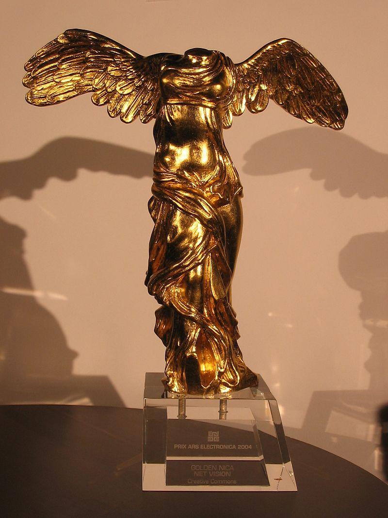 Creative Commons va guanyar el premi Golden Nica l'any 2004  Font: Mikegr a la Wikipedia