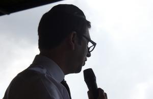 Home amb micròfon - de sevitz a Flickr