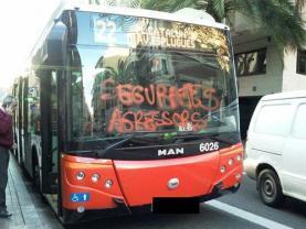 Pintada a un autobus. Font: SEPC