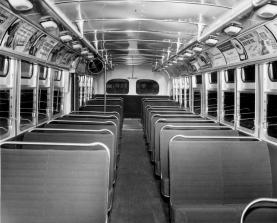 Interior d'un autobus. Font: Metro Transportation Library and Archive (flickr)