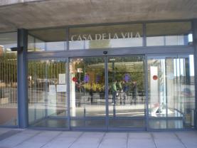 Casa de la Vila, per David Andreu  - Institut Escola Les Vinyes - Flickr