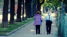 Nordic walking. Font: icatus (Flickr)