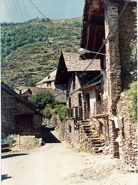 Poble del Pirineu - art_es_anna - Flickr