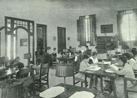 Sala de Lectura de la biblioteca popular de Pineda de Mar