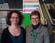 Laia Curcoll, responsable del projecte, i Francina Alsina, presidenta de la FCVS
