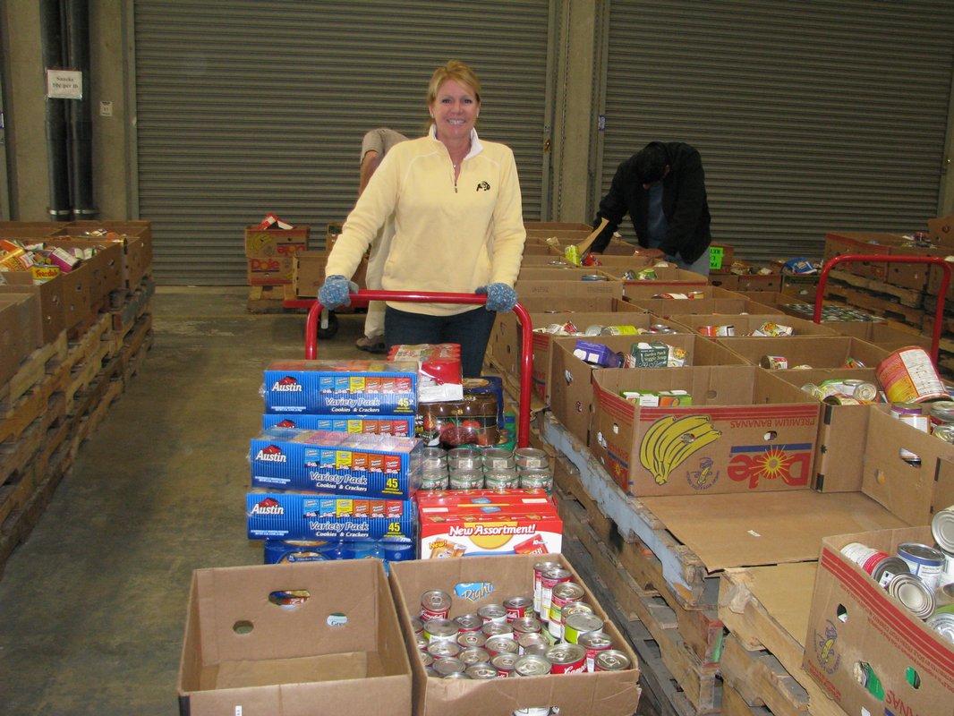 Volunteering - Font: kpbs.org