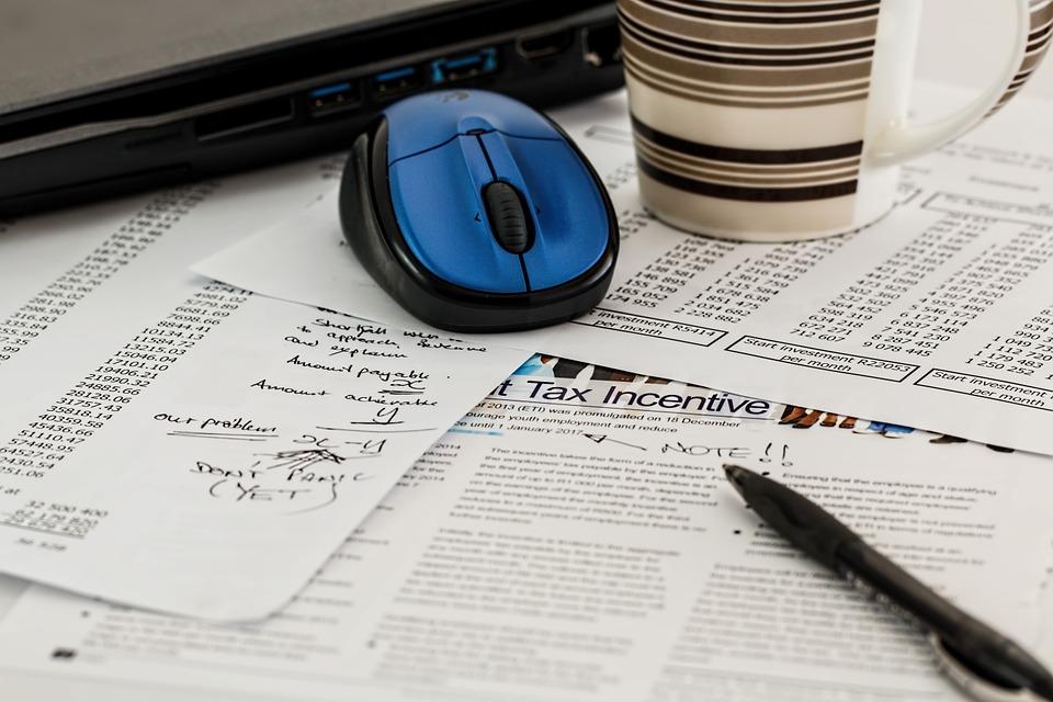 Impostos, ratoli i boligraf. Font: Pixabay