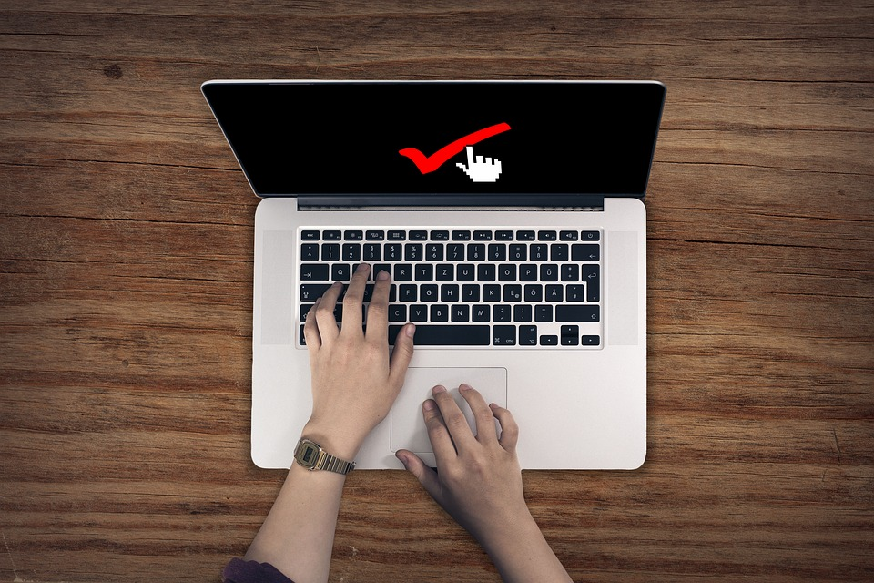 Les persones titulars de les dades han de prestar el seu consentiment de forma expressa i inequívoca. Font: Pixabay