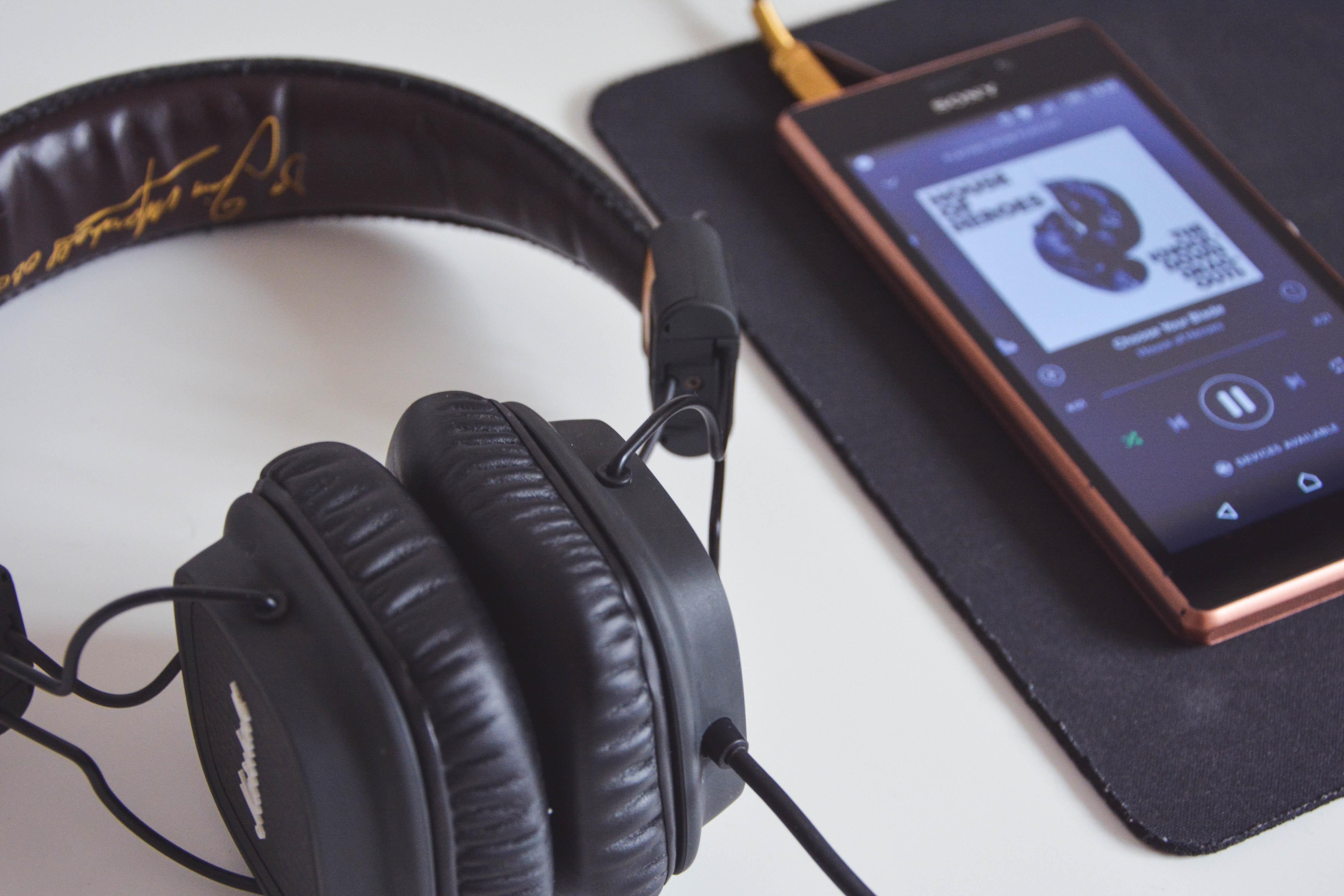 La música i la tecnologia sempre van de la mà. Font:  Mihis Alex (Pexels)