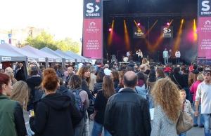 La Fira d'Entitats de Voluntariat coincideix amb el festival Strenes. Font: FCVS