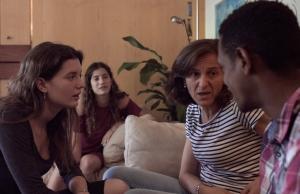 L'ambient familiar dona seguretat a les persones que s'han vist obligades a refugiar-se Font: Migra Studium