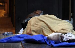 Imatge de la notícia 700 voluntaris recorren Barcelona i quantifiquen 892 persones dormint al carrer