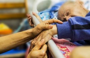 Un usuari d'hospital, en el moment final de la vida. Font: Pixabay