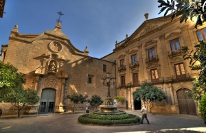 Plaça del Palau Episcopal de Solsona. Font: Sergio Morchon, Flickr