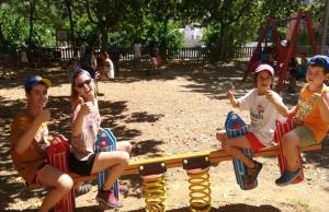 El casal Viu l'Estiu s'organitza durant tot el juliol a l'escola Sinera d'Arenys de Mar. Font: Junts Autisme. Font: Junts Autisme