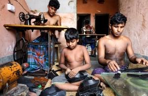 Imatge de la notícia Firma per exigir a les marques de roba i calçat més transparència en les cadenes de producció