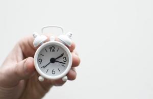 El control del registre horari a la feina és obligatori des del 12 de maig. Font: Unsplash. Font: Unsplash