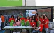 Grup de voluntariat d'estudiants, PDI i PAS al Dinar Solidari de la UAB el passat 23 d'abril (Font: FAS)