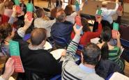 Veïns i veïnes d'Esplugues participant en un fòrum sobre educació Font: Esplugues Participa