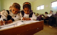 Nenes iraquianes a l'escola