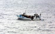 Embarcació de refugiats enfonsant-se, Font: Wikipedia