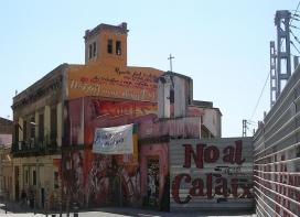 Protestes pel desallotjament per part dels Mossos del centre social Can Vies al barri de Sants, el maig del 2014