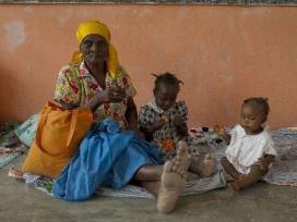 Família a Haití. Font: REUTERS