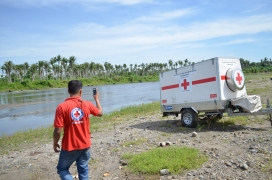 Potabilitzadora d'aigua Creu Roja. Font: Miguel Domingo (Flickr)
