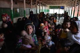 300.000 rohingyes s'han vist obligats a fugir a Bangladesh.