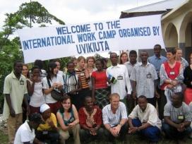 Foto de grup de l'organització UVIKIUTA de Tanzània