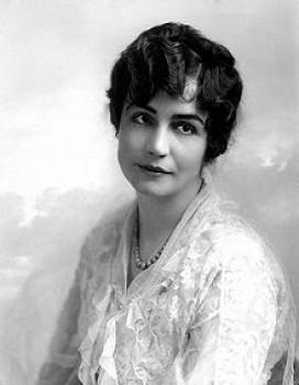 """Lois Weber (1879-1939) fou una actriu de cinema mut americana, guionista, productora, i directora, qui és considerada """"la directora dona més important de la indústria del cinema americà""""."""