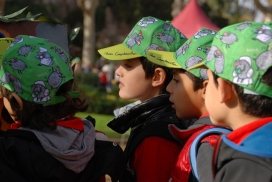 """La campanya """"Posa't la gorra!"""" és la primera font de recursos per finançar tots els serveis i accions que porta a terme l'AFANOC. (Font: AFANOC)."""