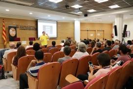 L'expert en jocs, Oriol Ripoll, va fer la xerrada 'Transforma-ho en joc' a la IX Jornada Punt TIC i Presó