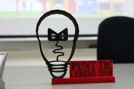En un dels tallers de la IX Jornada Punt TIC i Presó van imprimir el logotip de la trobada en 3D