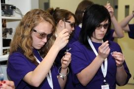 'STEM AMB TU' pretén fomentar les vocacions STEM, tot integrant la dimensió de gènere