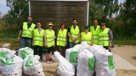 Grup de voluntàries i voluntàries de l'edició de 2014, al Delta del Llobregat
