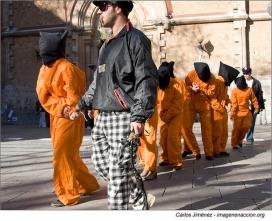 Acció d'Aministia Internacional a Barcelona per demanar el tancament de Guantánamo